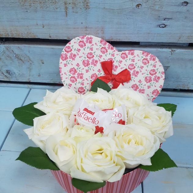 Сердце белых роз